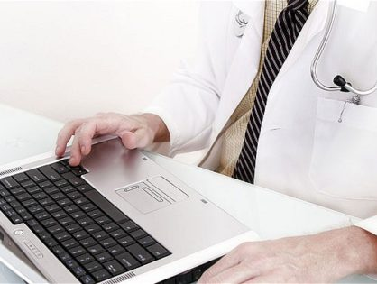 Doctor_at_laptop_1809599b